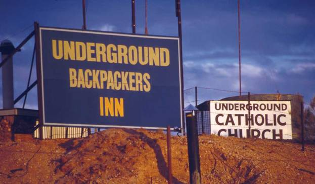Coober_Pedy_Signs_2