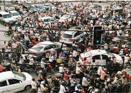 hanoi-traffic-xmas